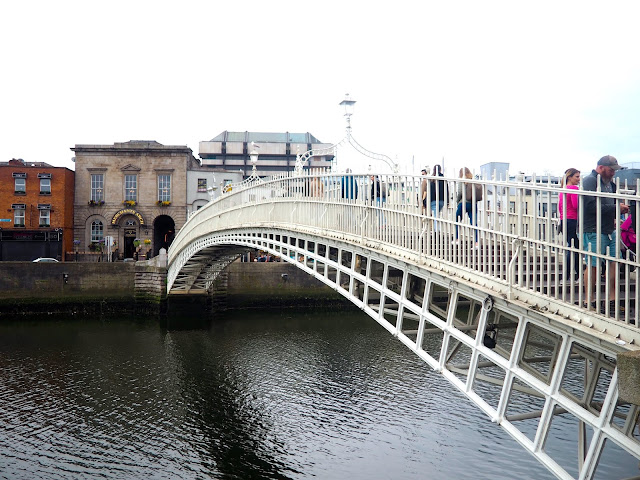 Ha'penny Bridge, Dublin, Ireland
