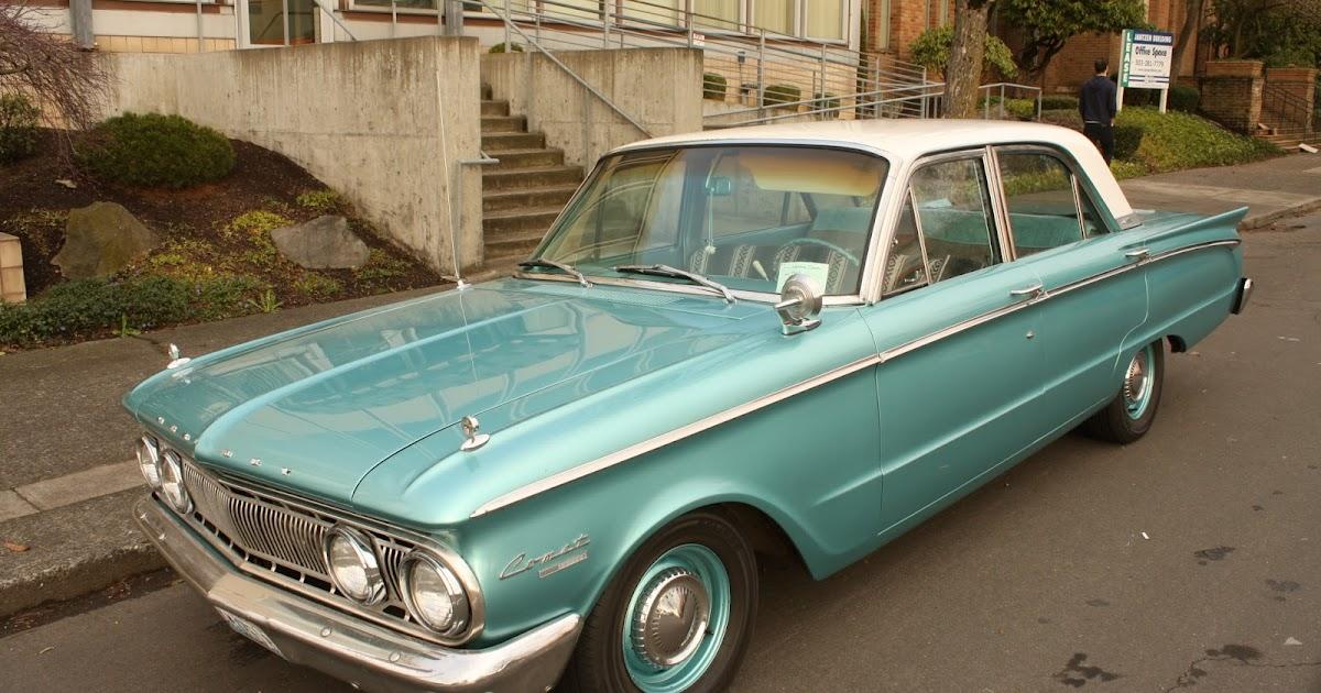 Old Parked Cars 1962 Mercury Comet Custom