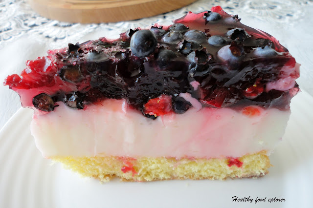 Bezglutenowy tort z owocami