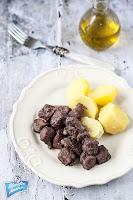 Gulasz wieprzowy z winem