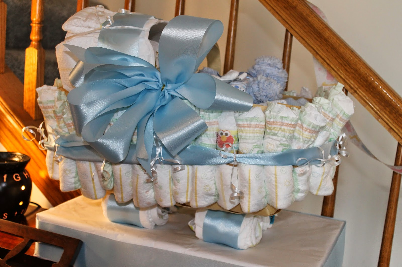 baby shower gift, baby shower diaper carriage, diaper creation
