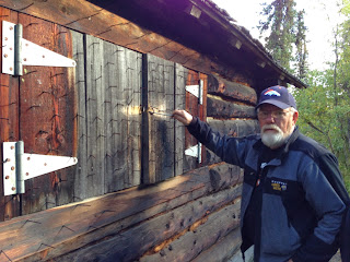 Anti-bear device on an Alaska log cabin.