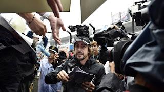 Alonso es uno de los pilotos más queridos en Singapur, y puede volver a confirmarlo
