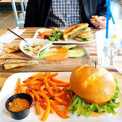 Lunch at Blue Lemon