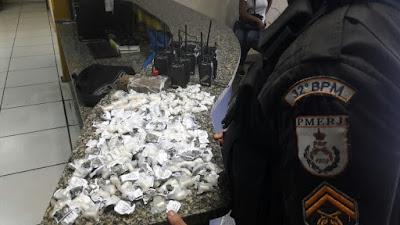 Suspeitos são detidos com drogas e munição em Macaé