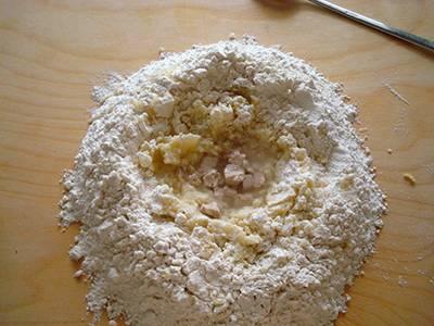 Focaccia con pomodori secchi e olive 3