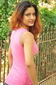 Aarthi glamorous photo gallery-thumbnail-19
