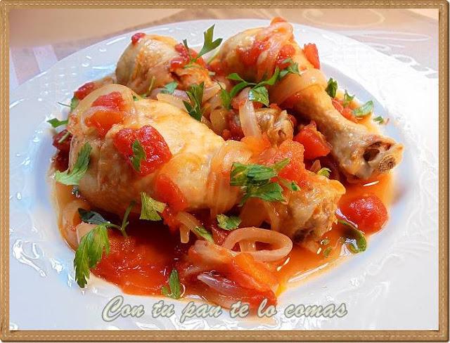 Muslos de pollo con cerveza y tomate