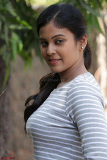 Actress Chandini in ed Tight Top at Ennodu Yilayadu tamil movie press meet ~  22.jpg