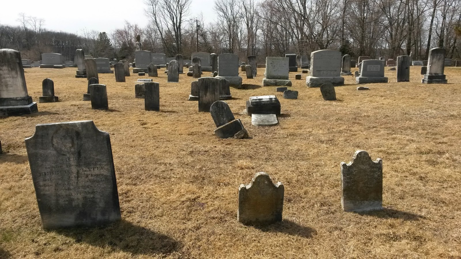 Daughter of the jaded era: Goth bloggers visiting the grave