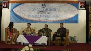 Implementasi Program Indonesia Pintar dalam Penuntasan Wajib Belajar 12 Tahun