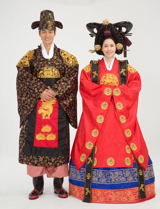 dengan sebutan hanbok 한복 dan di korea utara menyebutnya chonso ot 저선 옷 kata han berarti bagi warga bok pakaian