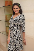 actress swetha jadhav new glam pix-thumbnail-15