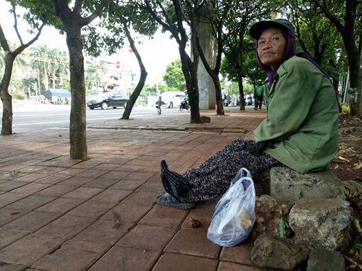 Cerita Nenek Tinah yang dipecat dari Pasukan Oranye ini Viral dan Bikin Sedih, Baca Selengkapnya!!