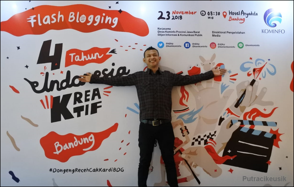 "Flash Blogging ""4 Tahun Indonesia Kreatif"" Bandung"