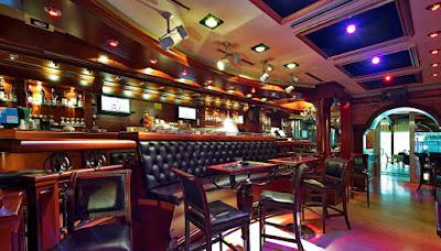Restaurant near marina Bar