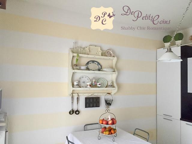 Pareti A Strisce Shabby : De petits coins: parete a righe orizzontali per la mia cucina