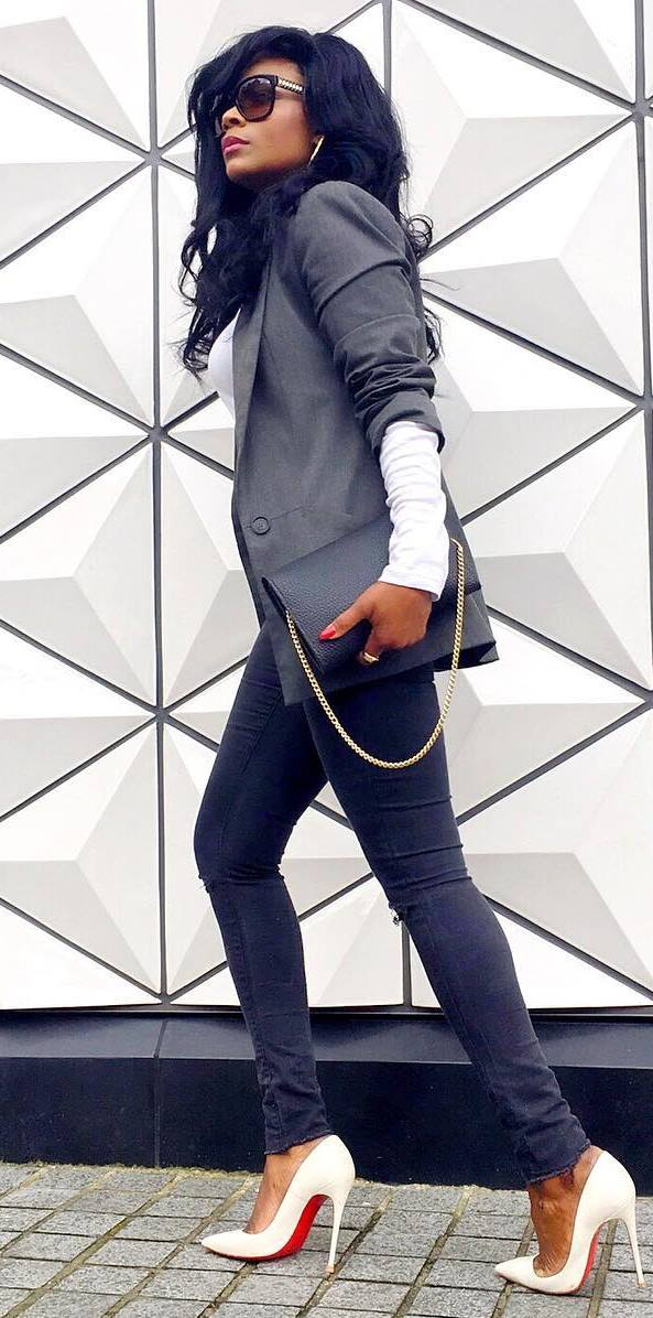 how to style a blazer : bag + skinny jeans + heels + white top