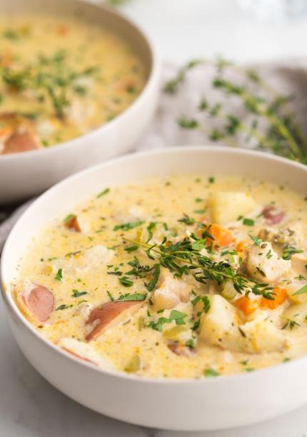 Healthy Chicken Pot Pie Soup (Paleo, Whole30)