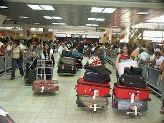 Image result for Dominicanos llegando al país a pasar las navidades
