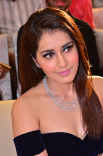 Raashi Khanna at avakusa audio launch 25.jpg