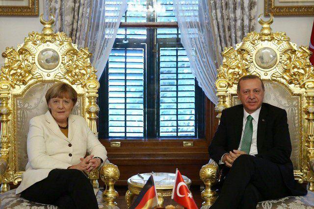 Η Μέρκελ τα έκανε μπάχαλο στην Τουρκία, τα έδωσε όλα!