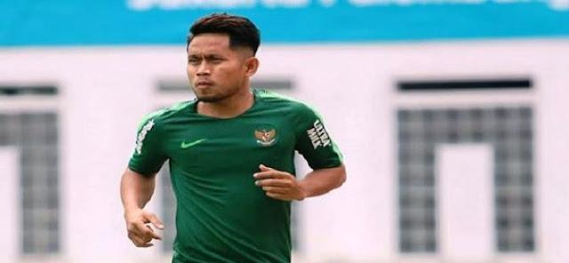 Andik Vermansah Berlabuh ke Madura United, Foto Teken Kontraknya Viral!