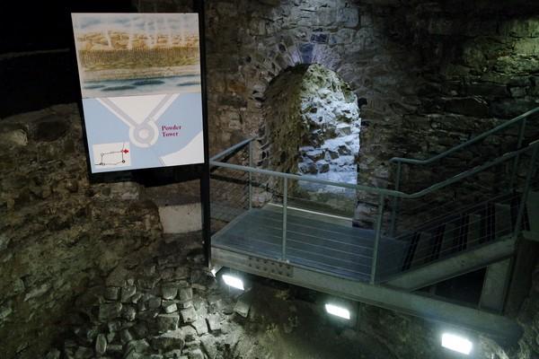 dublin château castle fondations murs