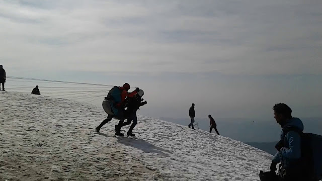 Paragliding in winters at Bir Billing