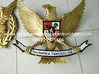 Kerajinan Patung Burung Garuda Tembaga Kuningan