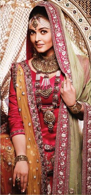 Indian Jewellery And Clothing Actress Aishwarya Rai In