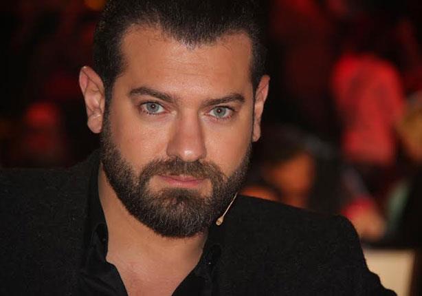 عمرو يوسف يتعرض لموقف محرج بسبب ابنة رانيا يوسف