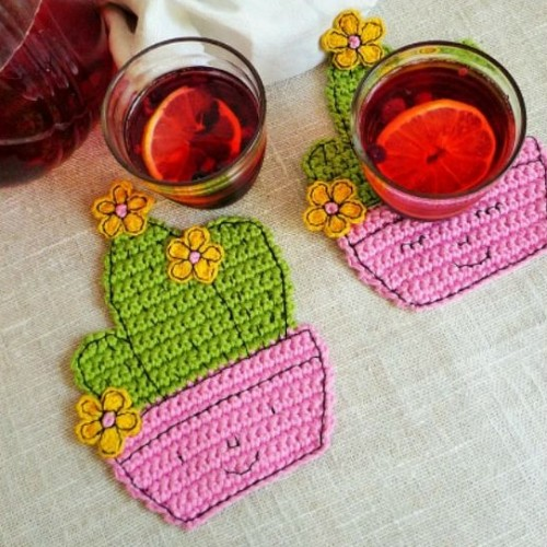 Happy Cactus Coaster - Free Crochet Pattern