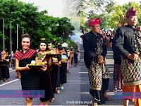 4 Baju Adat Nusa Tenggara Barat