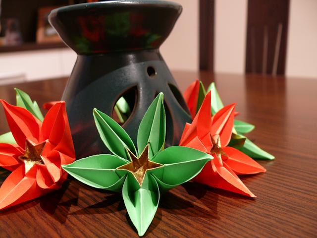 Flores origami decoración de navidad