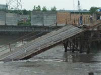 Pihak Pengembang Tidak Mau Ganti Rugi Korban Jembatan Runtuh di Canang