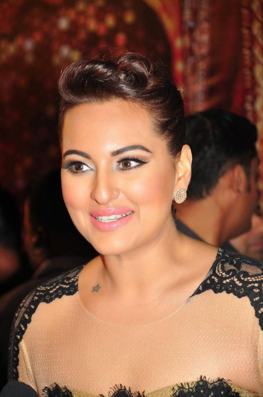 Bollywood Glamorous Hot Actress Sonakshi Sinha Photos In Full Black Gown