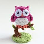 http://www.ravelry.com/patterns/library/an-owl-is-born