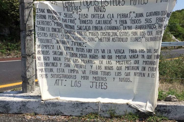 """""""YA EMPEZÓ LA LIMPIA PTOS"""", """"LOS JEFES"""" DEJAN MENSAJE QUE ACUSA PROTECCIÓN DE ASTUDILLO A CRIMINALES EN GUERRERO."""