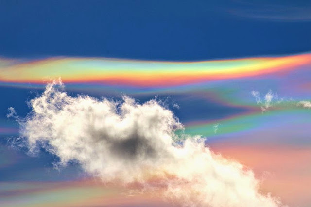 http://4.bp.blogspot.com/-DOqcV19Ibs0/VLQ1OjG7d3I/AAAAAAAACIk/cJ39FZesqlw/s1600/Cloud1.jpg