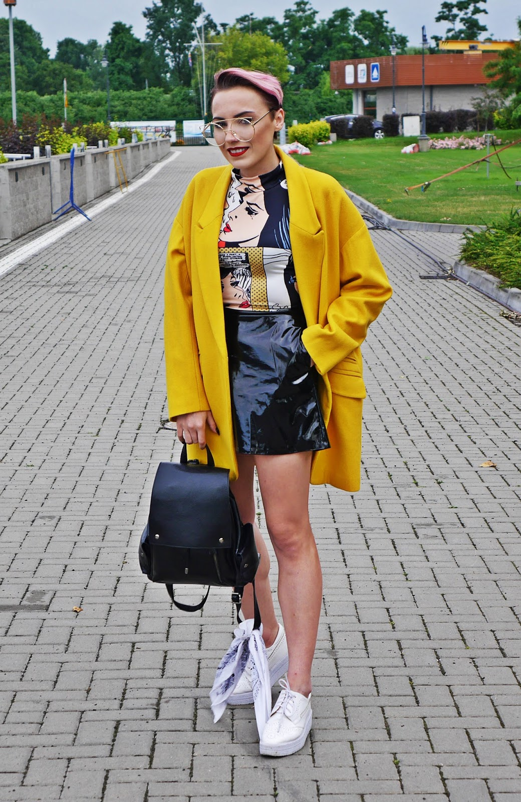 yellow_oversize_coat_jacket_black_skirt_platform_shoes_blog_modowy_karyn_060717agy