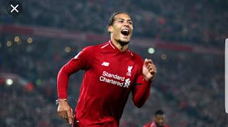 Van Dijk Wins PFA Best player 2018/2019