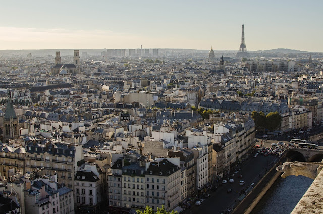 Tour Eiffel, Notre Dame, Paris France