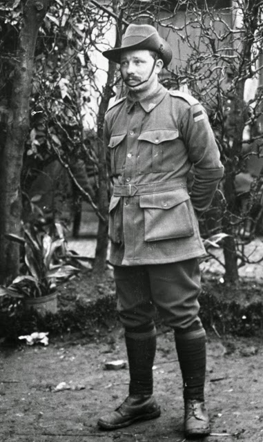 Picture of an Private Edward Hinde of Gilston, Queensland standing in uniform circa 1916