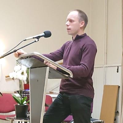lördag 8 december 2018 kl 18, Emanuel Johansson talar