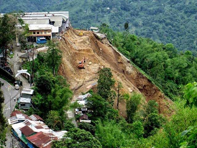 landslide damaged NH-55 near Tindharay