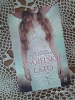 http://lustraksiazek.blogspot.com/2015/06/nie-zmieni-sie-tylko-blond-agata.html
