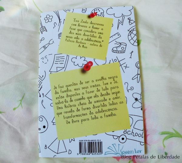 Resenha, livro, Adolescer, Eva-Zooks, capa, fotos, opiniao, critica, trechos, irmãos, infanto-juvenil,