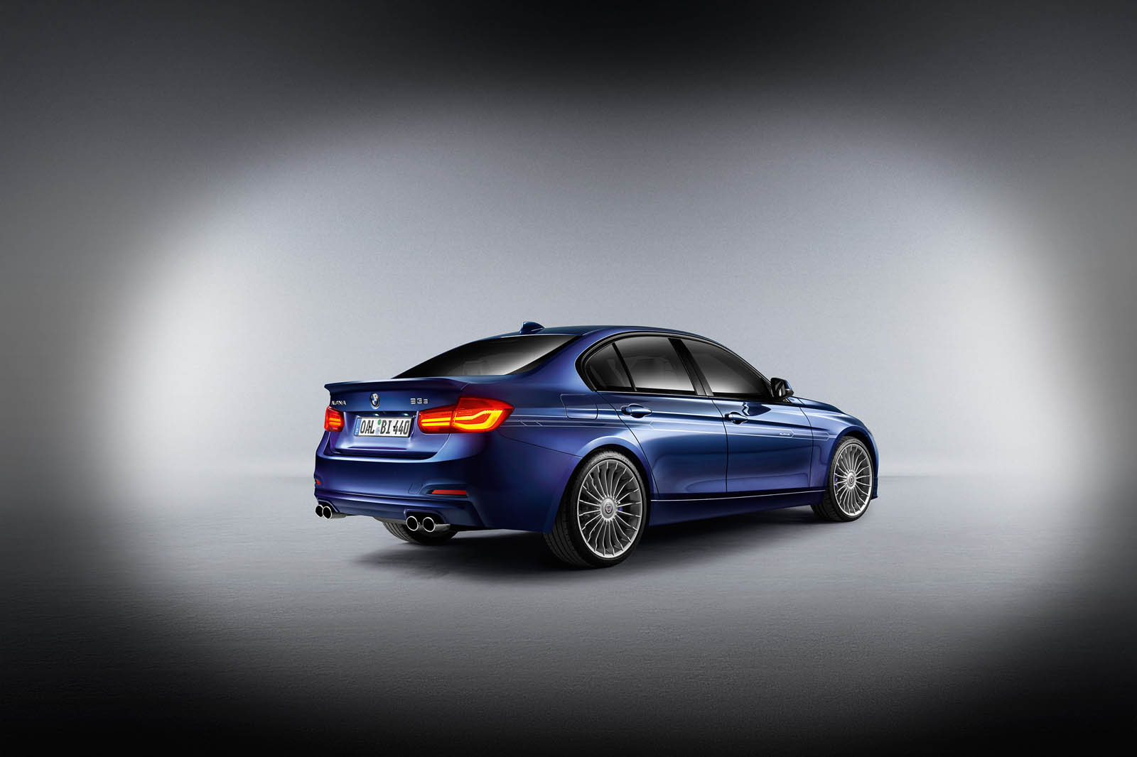 alpina 39 s latest b3 b4 s bi turbo outguns bmw m3 m4 with 434 hp carscoops. Black Bedroom Furniture Sets. Home Design Ideas