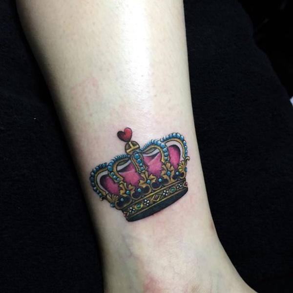 tatuagens femininas de coroas